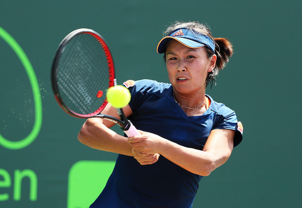 Peng Shuai in action at the Miami Open | Photo: Al Bello/Getty Images North America