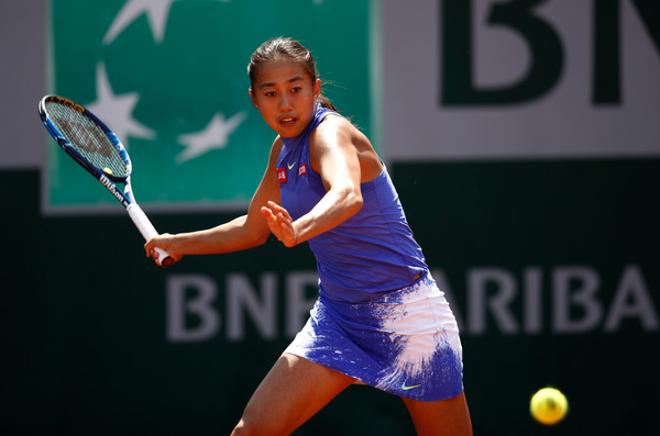 Zhang Shuai hits a forehand | Photo: Adam Pretty/Getty Images Europe