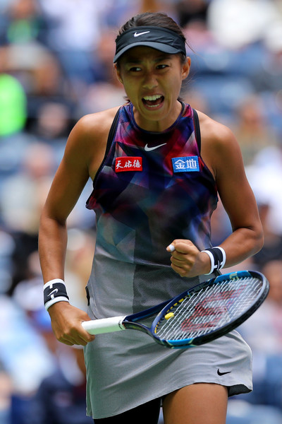 Zhang Shuai celebrates winning the first set 6-3, displaying some high-quality tennis | Photo: Richard Heathcote/Getty Images North America
