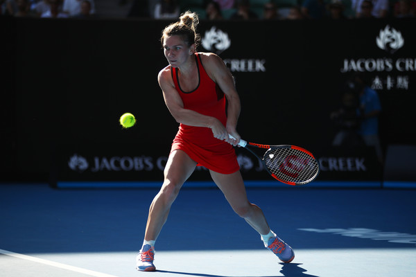 Simona Halep powered to a commanding 5-0 lead within less than 15 minutes | Photo: Clive Brunskill/Getty Images AsiaPac