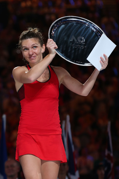 Simona Halep fought hard in Australia, surviving two marathons to reach the final | Photo: Clive Brunskill/Getty Images AsiaPac