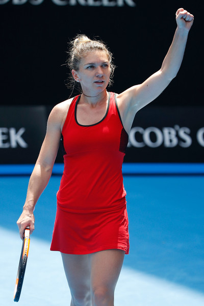 Simona Halep celebrates her win | Photo: Scott Barbour/Getty Images AsiaPac