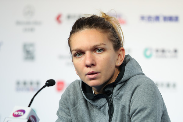 Simona Halep will be undoubtedly be disappointed about withdrawing from the WTA Finals | Photo: Lintao Zhang/Getty Images AsiaPac