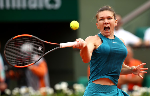 Simona Halep's forehands were working extremely well after the first set | Photo: Cameron Spencer/Getty Images Europe