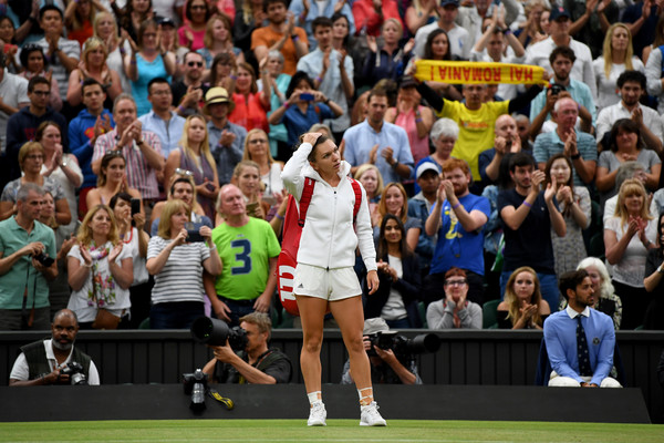Simona Halep was looking dejected after the match, and she would rue her missed chances considering she was two points away from the win | Photo: Shaun Botterill/Getty Images Europe