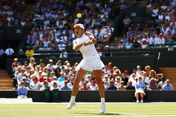 Simona Halep took the opening set 6-3 after some early struggles on her serve | Photo: Michael Steele/Getty Images Europe