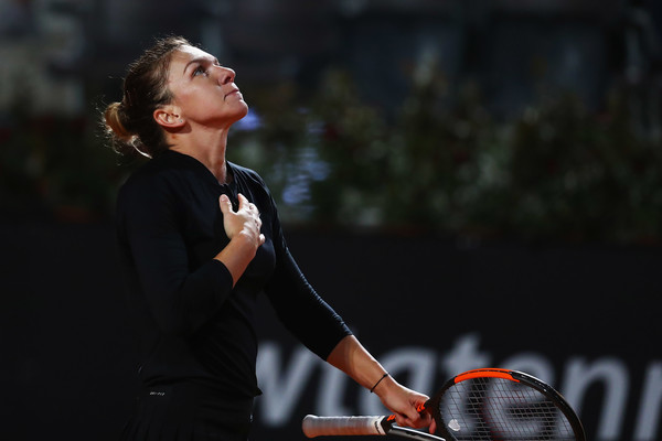 Simona Halep has been truly living up to her world number one tag this week, losing just six games to opponents with an average rank of 14 | Photo: Dean Mouhtaropoulos/Getty Images Europe