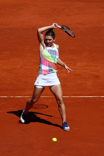Simona Halep in Mutua Madrid Open action. Photo:Julian Finney/Getty Imag