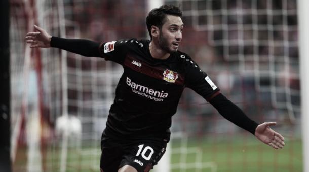 Çalhanoglu tras el gol | FOTO: Bayer Leverkusen en Twitter