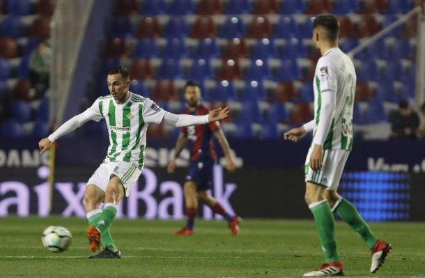 Imagen del duelo entre el Betis y Levante. Fuente: realbetisbalompie.es