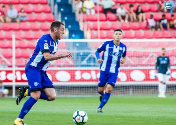 Uno de los lances del encuentro entre Numancia y Deportivo Alavés. Fuente: deportivo alavés