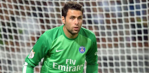 Sirigu in action for PSG