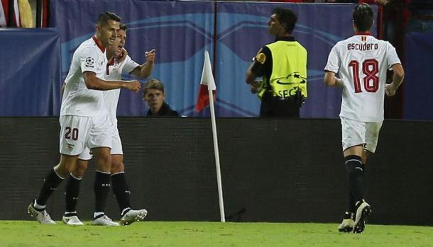 Esultanza dei giocatori dopo il goal di Nasri a Zagabria, www.ilsussidiario.net