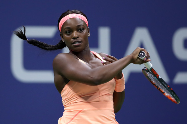 Sloane Stephens hits a forehand during the match | Photo: Matthew Stockman/Getty Images North America