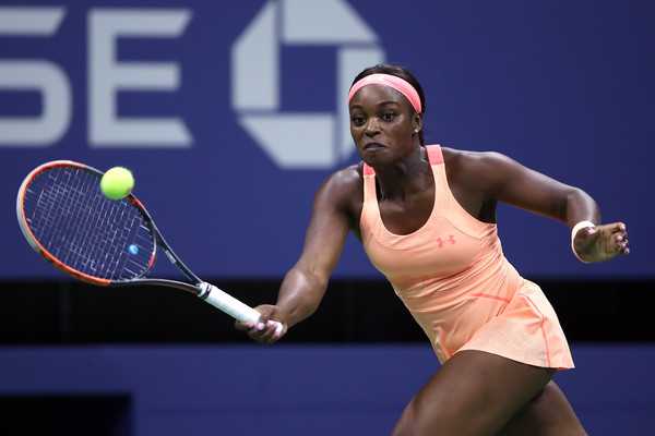 Sloane Stephens reaches out for a forehand | Photo: Matthew Stockman/Getty Images North America
