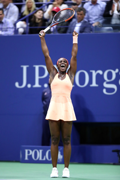 The summer of Sloane continues: Stephens celebrates after winning an all-American semifinal battle against Venus Williams to make her first Grand Slam final at the 2017 U.S. Open. | Photo: Clive Brunskill/Getty Images