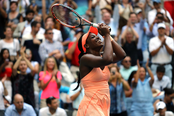 Sloane Stephens celebrates after sealing her semifinal spot | Photo: Getty Images North America