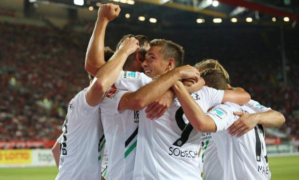 Hannover and Sobiech celebrate. | Image source: Hannover 96