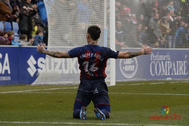 Chimy Ávila celebrando un gol para el Huesca | Fuente: LaLiga