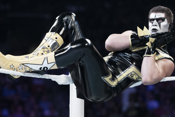 Stardust performing his signature mannerism in the ring (image: whatculture.com)