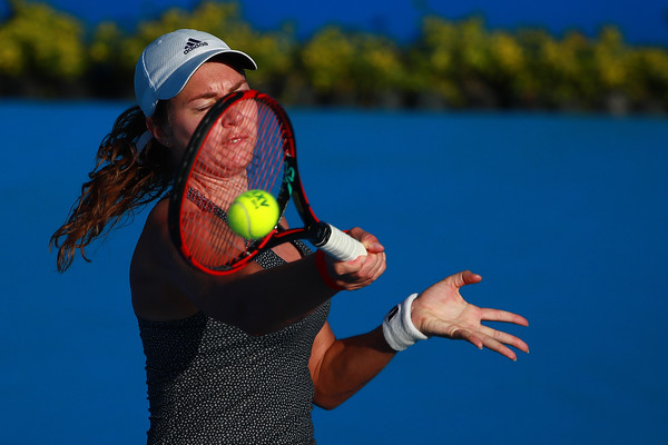 Stefanie Voegele in action during her huge win over Sloane Stephens, an encounter which lasted 132 minutes | Photo: Hector Vivas/Getty Images South America
