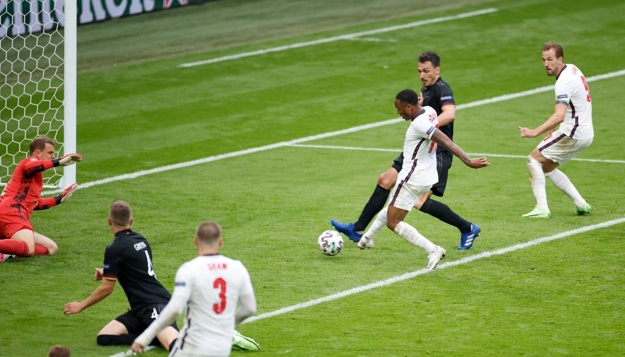 El 1-0 de Sterling   Imagen: UEFA