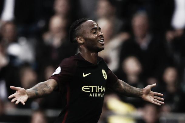 Sterling comemora seu gol (FOTO