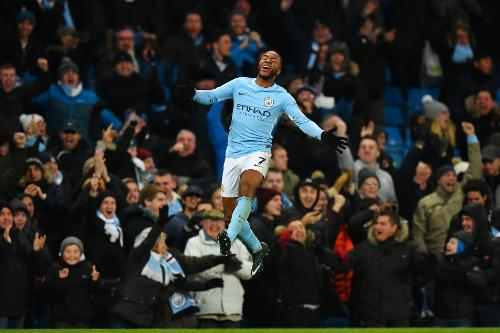 Sterling celebrando el tanto de la victoria | Fotografía: Premier League