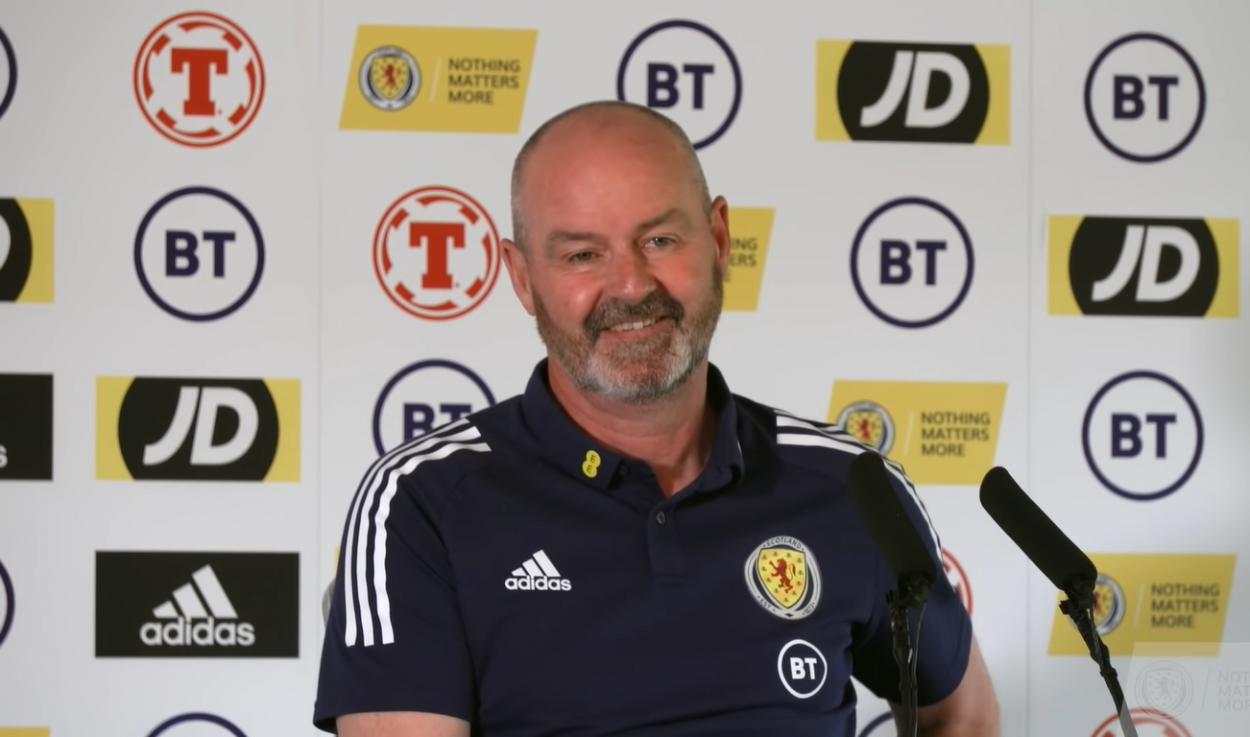 Steve Clarke sonríe en la rueda de prensa de este miércoles | Imagen: Scotland National Team
