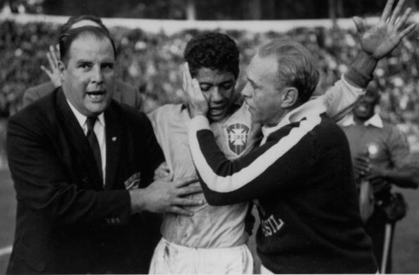 Substituto do lesionado Pelé, Amarildo foi o destaque da Canarinho (Foto: Keystone/Getty Images)