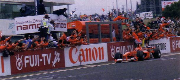Schumacher exacted his revenge on sparring partner Hakkinen in 2000. | Photo: Photobucket