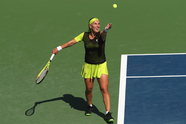 Svetlana Kuznetsova serves during the contest | Photo: Matthew Stockman/Getty Images North America