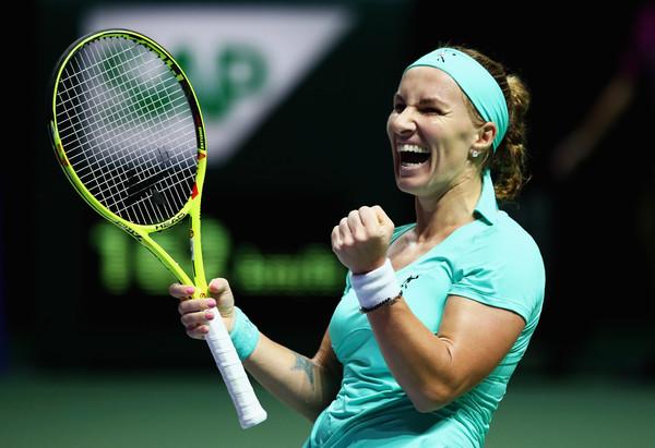 Svetlana Kuznetsova celebrates her victory in Singapore | Photo: Clive Brunskill/Getty Images AsiaPac