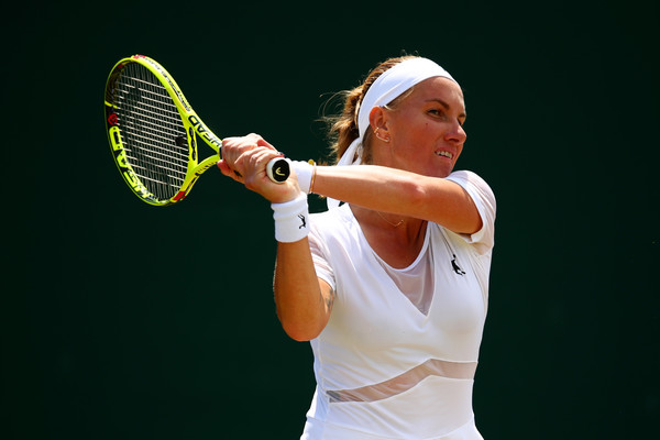 Svetlana Kuznetsova hits a backhand | Photo: Clive Brunskill/Getty Images Europe