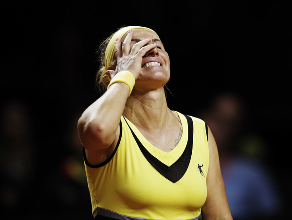Svetlana Kuznetsova failed to serve out the set, but soon broke to win the set | Photo: Adam Pretty/Bongarts