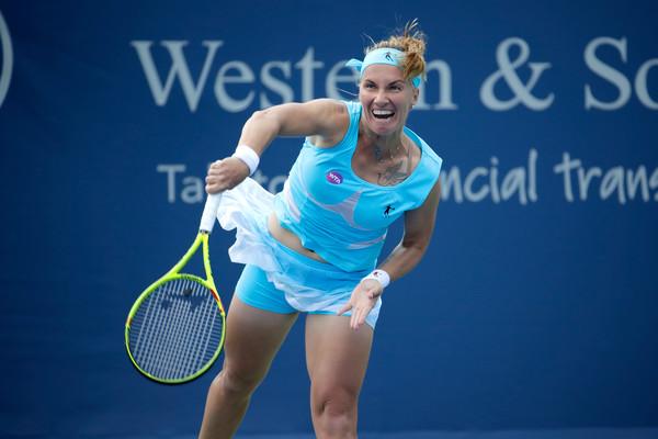 Svetlana Kuznetsova in action against Karolina Pliskova at the Cincinnati Masters last year | Photo: Andy Lyons/Getty Images North America