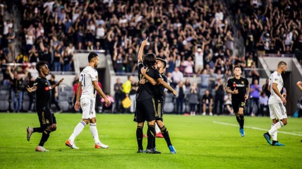 Vela celebra su gol en 'El Trafico' (telemundo52.com)