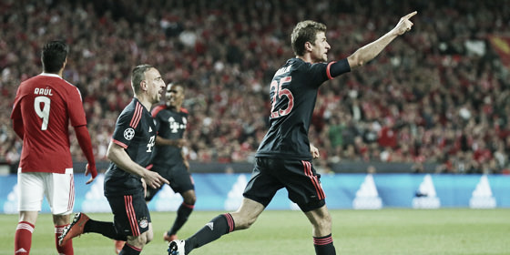 Bayern's man for all occasions celebrates his goal against Benfica. | Photo: kicker