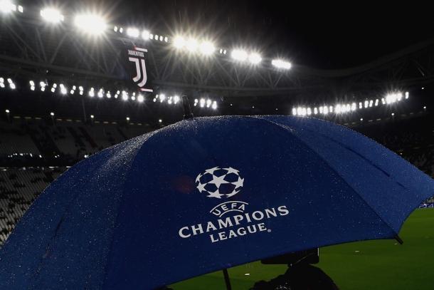 Leve chuva em Turim (Foto: Reprodução/Uefa)