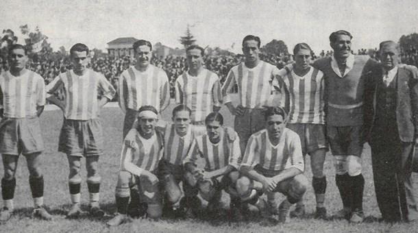 La plantilla del Porto de la temporada del 1934/35 // Foto: fcporto.pt