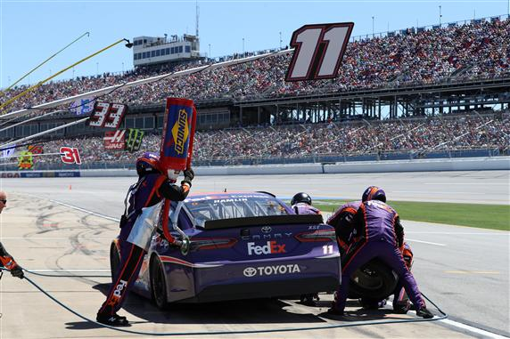 Hamlin makes a pit stop. (Chris Graythen/Getty Images)