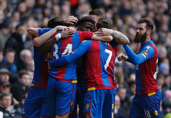 Palace celebrate their win against Spurs in the 5th Round | Photo: Ian Kington/AFP