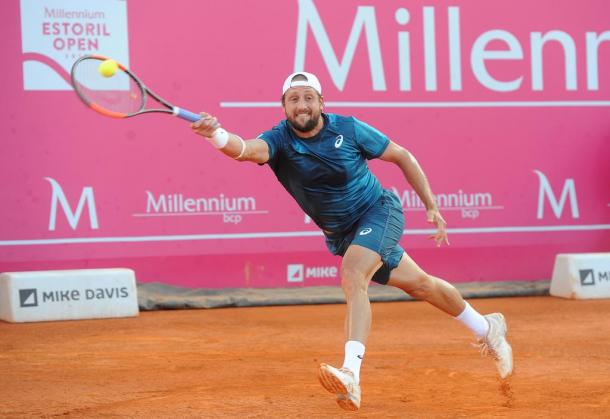 Tennys Sandgren playing against Frances Tiafoe at the Millennium Estoril Open (Photo by Millennium Estoril Open)