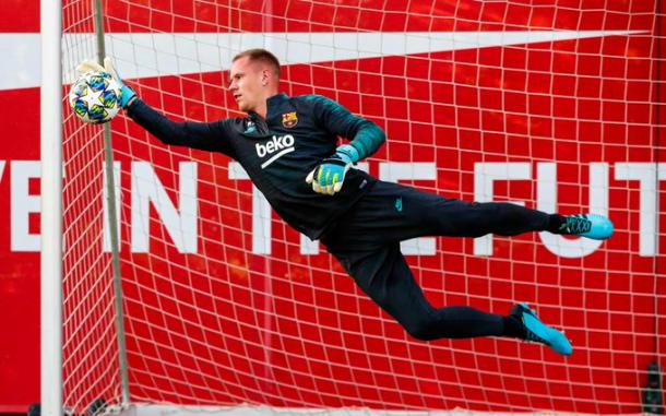 Ter Stegen durante el entrenamiento del Barcelona / Foto: @FCBarcelona