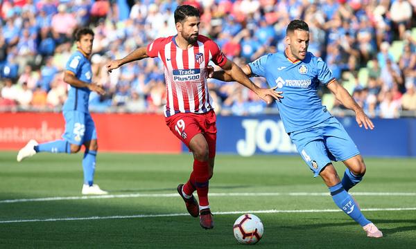 Diego Costa pugna con Bruno en el último Getafe-Atlético. Fuente:Atlético de M.