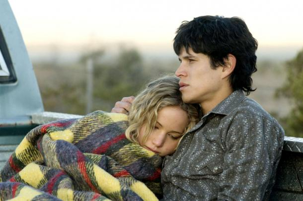 Lawrence y J. Torres en 'The Burning Plain'. Foto: theguardian.co.uk
