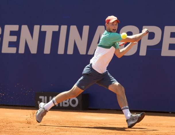 Thiem plays a backhand in Buenos Aires. Photo: Argentina Open