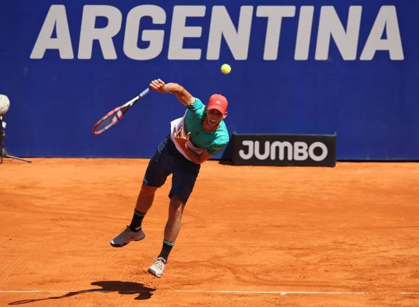 Dominic Thiem serves during his semifinal victory on Saturday. Photo: Argentina Open