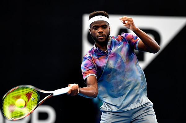 Frances Tiafoe hits a forehand during his opening loss of 2018. Photo: Bradley Kanaris/Getty Images