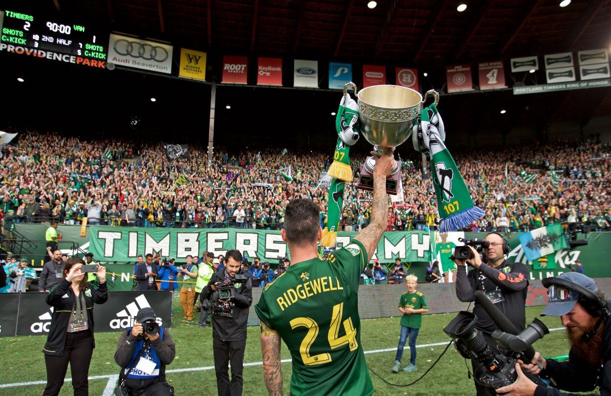 Ridgewell levanta la Cascadia Cup (mlssoccer.com)